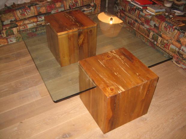 Mesa de centro que combina madera y cristal